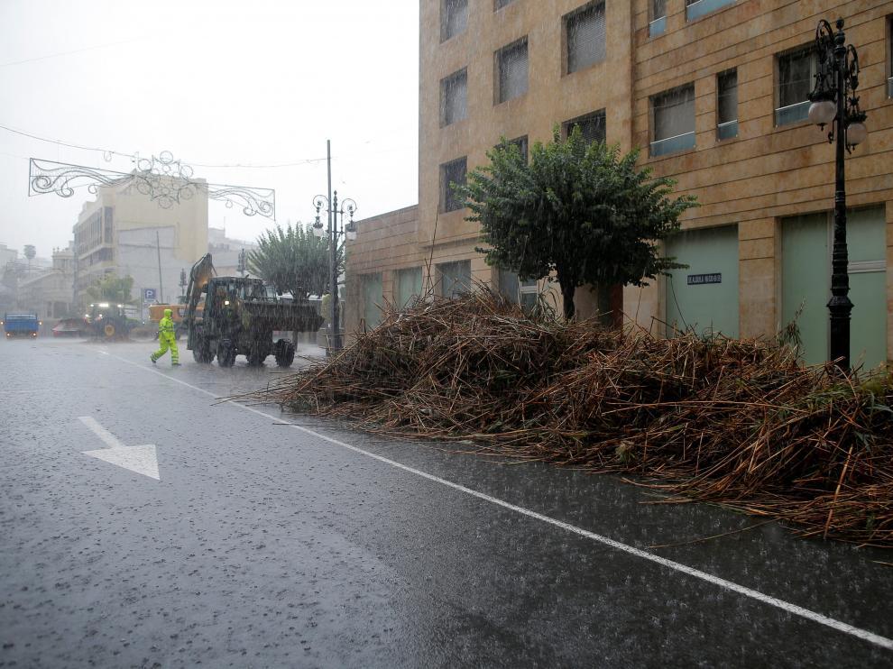 Efectivos de la UME de Zaragoza acuden a la zona afectada por la zona fría