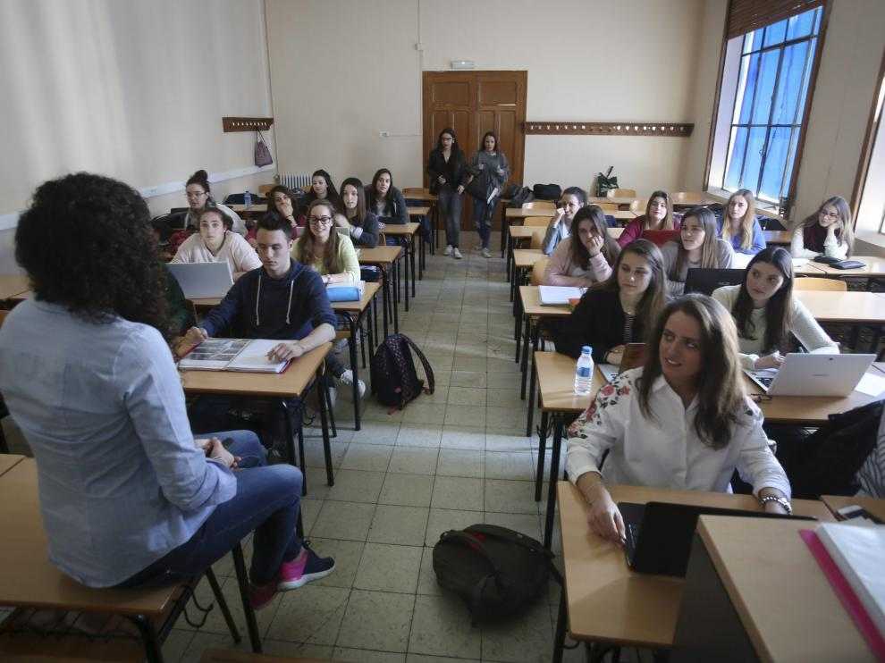 Alumnos de la Facultad de Ciencias Humanas y de la Educación, en una imagen de archivo.