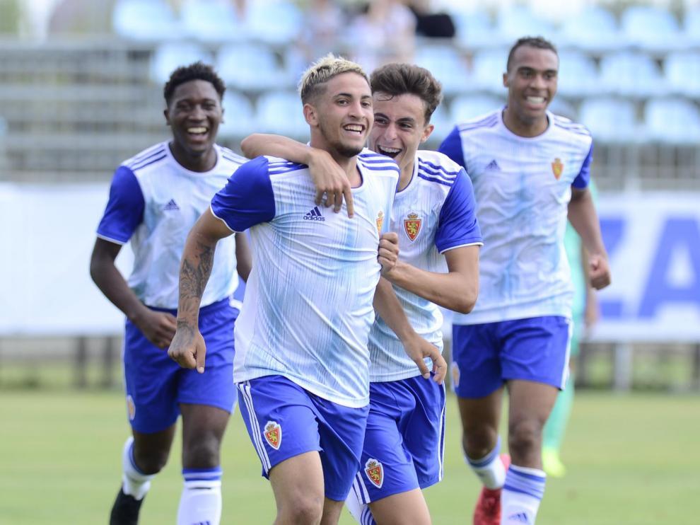 Carbonell celebra un tanto con el Real Zaragoza DHJ.