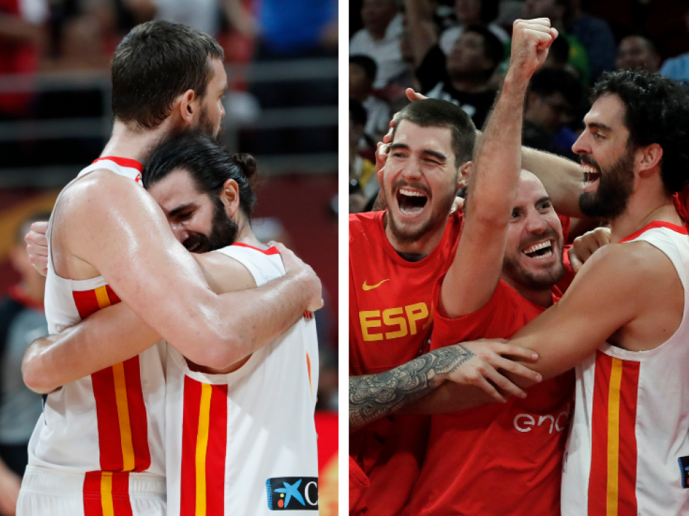 Celebración de los jugadores de España tras el partido