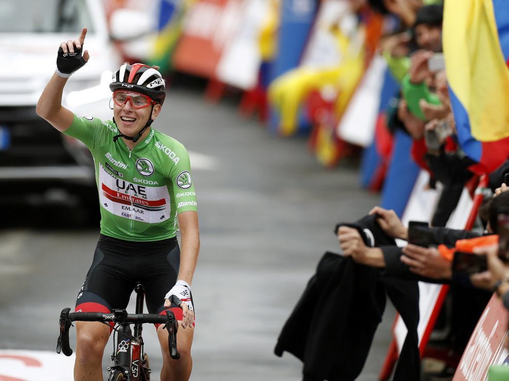 Pogacar gana en Gredos y se mete en el podio de la Vuelta junto a Roglic y Valverde
