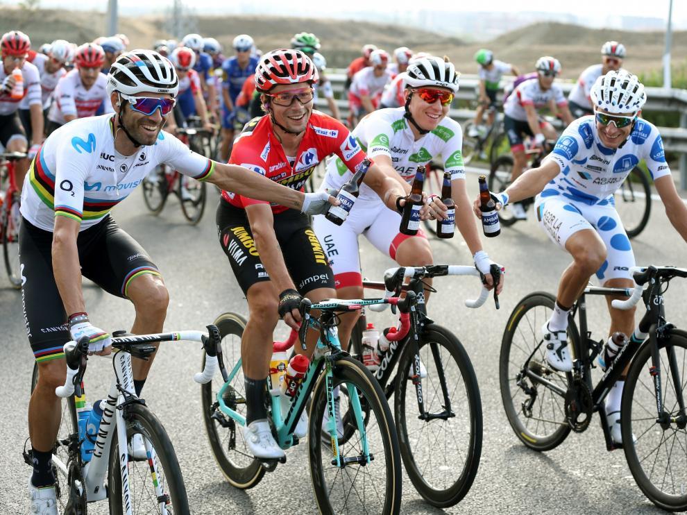 Brindis de los mejores en la Vuelta.
