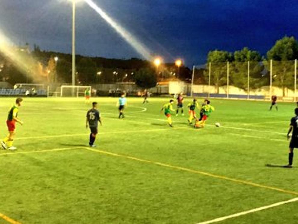 Imagen del partido entre el Huesca B y el San Lorenzo.