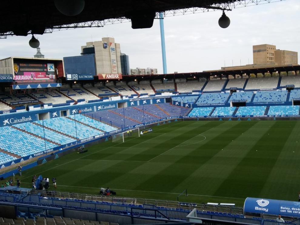La Romareda, una hora antes del partido.