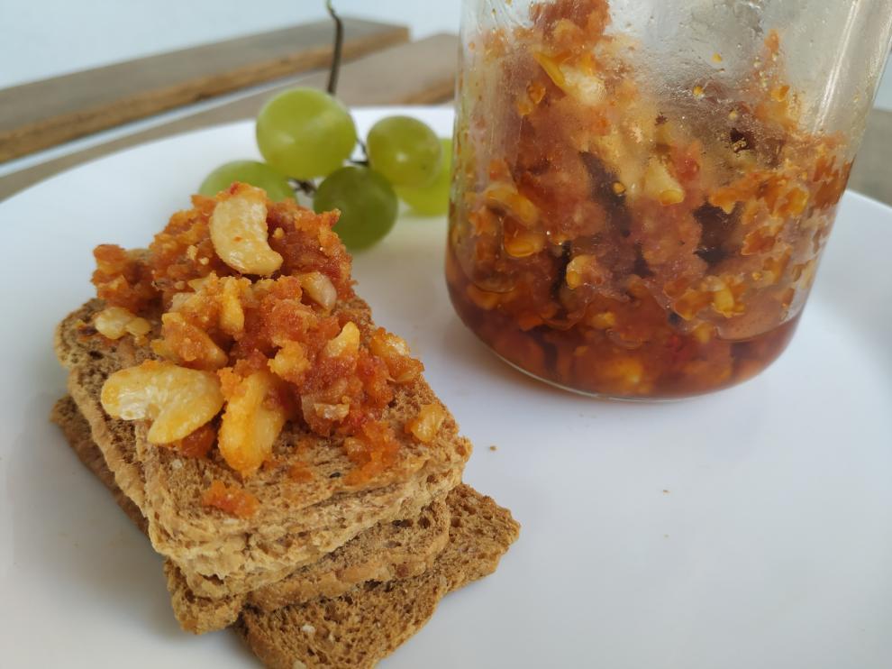 Receta de paté vegano de tomates secos y anacardos.