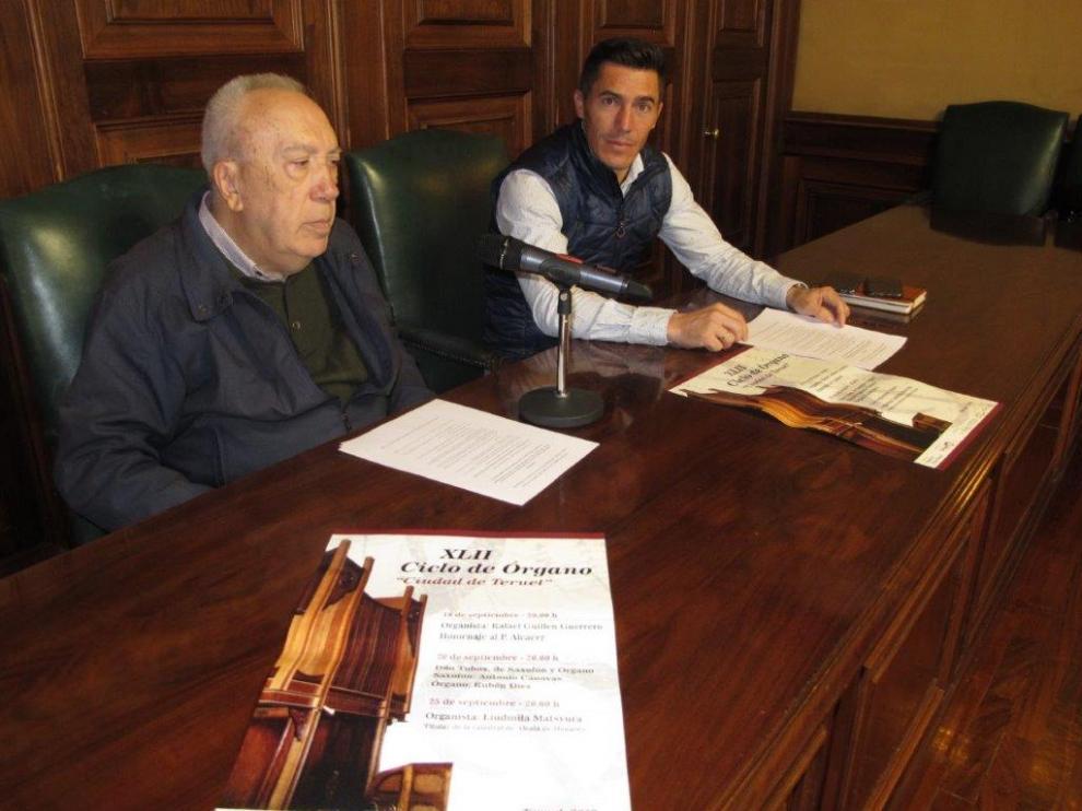 Jesús María Muneta, a la izquierda, con Carlos Méndez, en la presentación del Ciclo de Órgano.