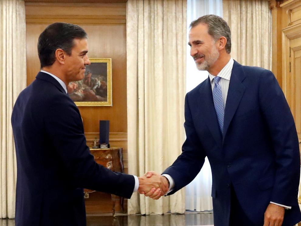 Felipe VI recibe a Sánchez en Zarzuela al cierre de la ronda de consultas