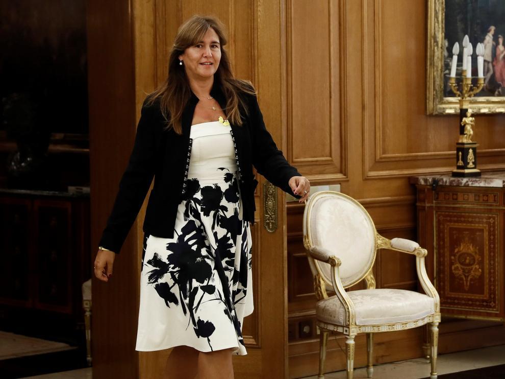 La diputada de Junts per Catalunya (JxCat), Laura Borrás, ha lucido un detalle amarillo en su reunión con Felipe VI.