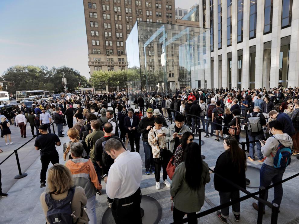 Colas en Nueva York para ver y comprar el nuevo iPhone 11