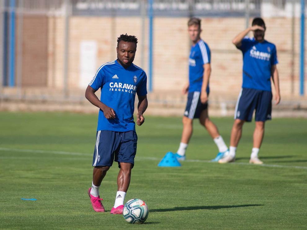 James Igbekeme, en un entrenamiento reciente.