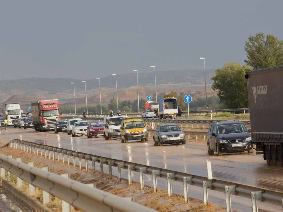 La autovía A2, entre Cetina y Ariza tras las fuertes lluvias de este viernes.