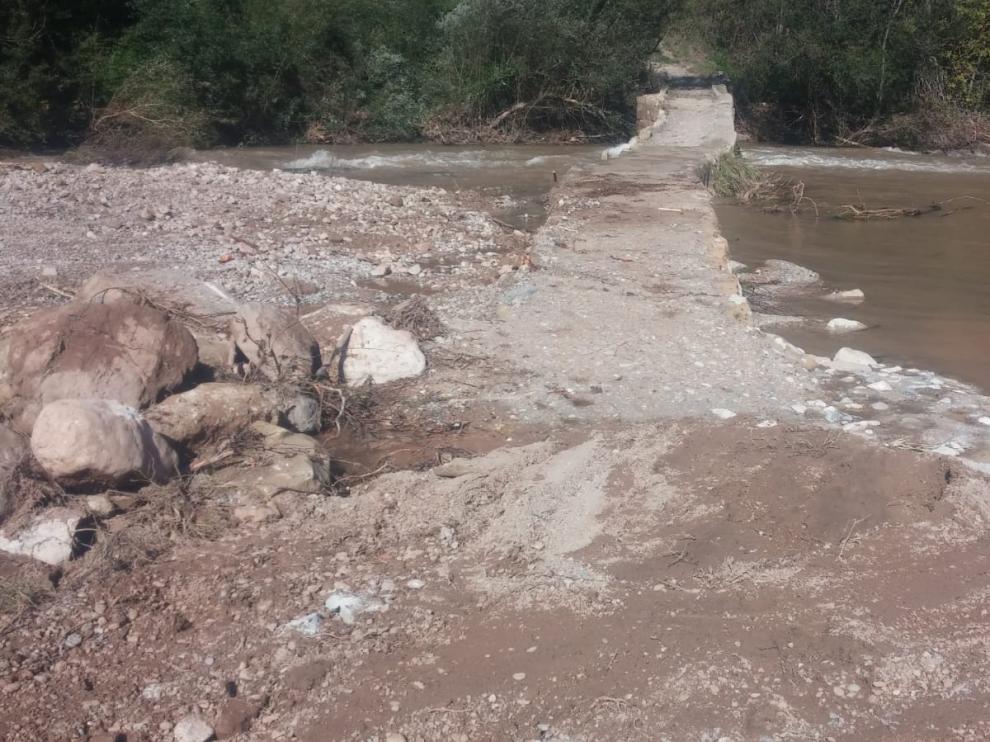 Efectos de la gota fría de 2018 en un paso sobre el Mijares en Olba.