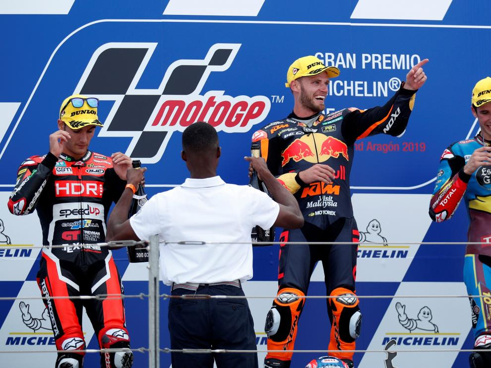 MotoGP - Aragon Grand Prix - Ciudad del Motor de Aragon, Alcaniz, Spain - September 22, 2019 South Africa fans after Brad Binder of Red Bull KTM Ajo wins the Moto2 race REUTERS/Albert Gea [[[REUTERS VOCENTO]]] MOTOR-MOTOGP-ARAGON/