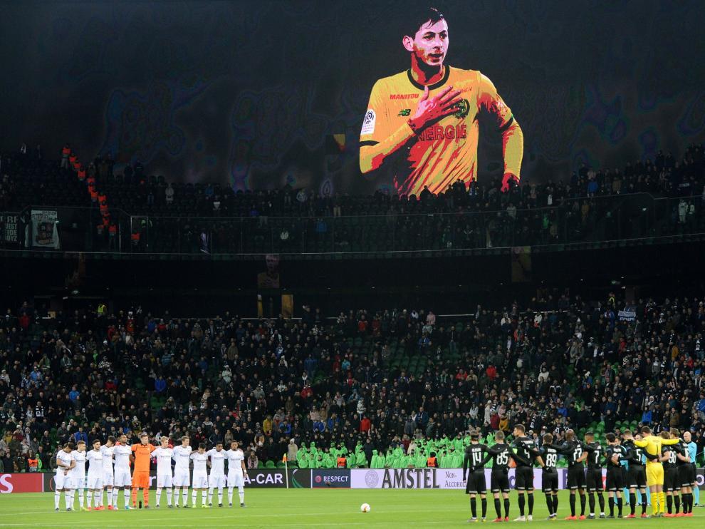 Homenaje a Sala en un partido de la Europa League