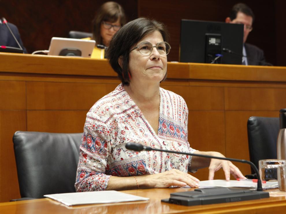 Carmen Martínez Urtasun, este martes, durante su comparecencia en la Comisión de Educación de las Cortes de Aragón.