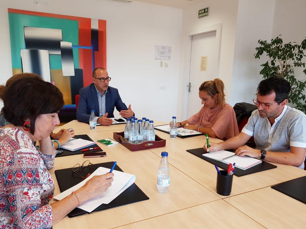 Representantes de CSIF Aragón se han reunido este martes con el consejero de Educación, Felipe Faci.