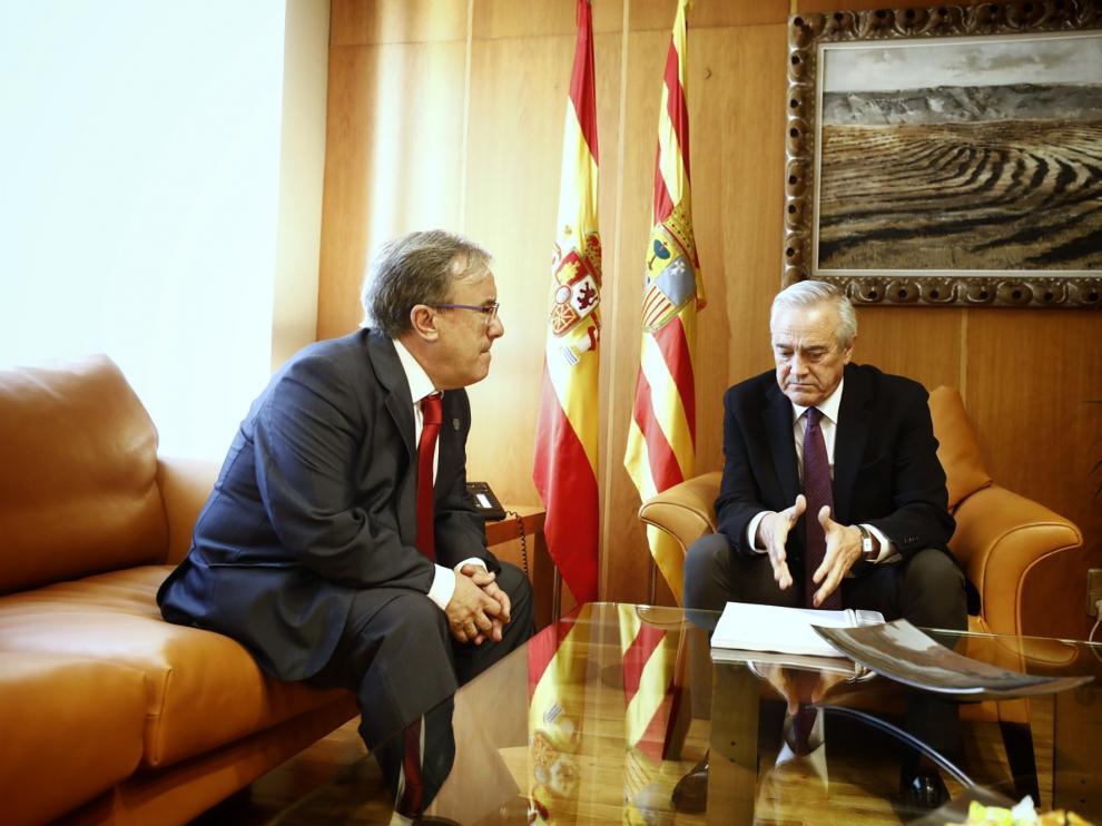 Ángel Dolado y Javier Sada, este miércoles, en las Cortes de Aragón.