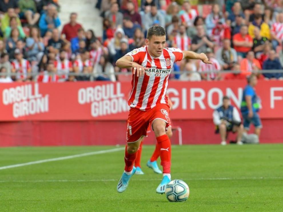 Álex Gallar, durante un compromiso con la camiseta del Girona.