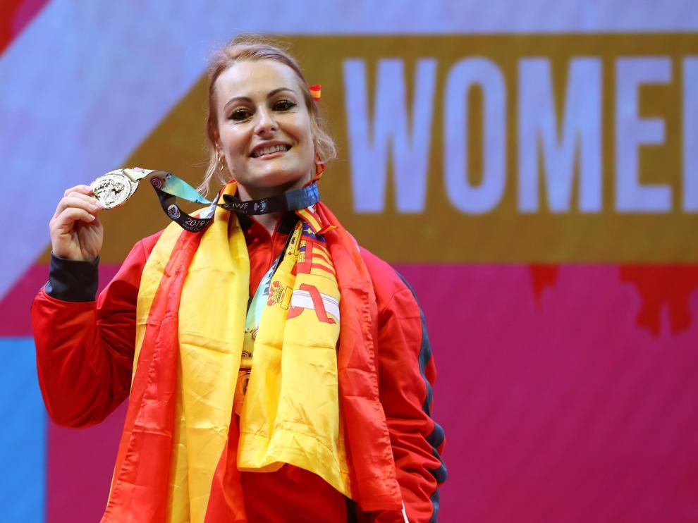 Lydia Valentín, con su medalla de plata.