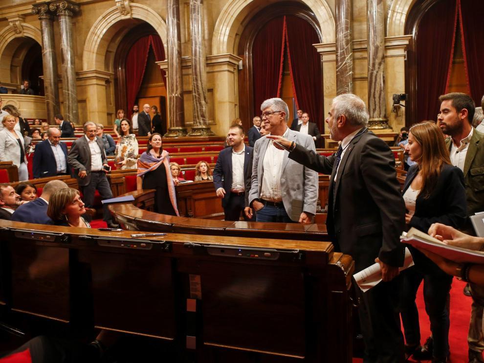 Bronca en el Parlament
