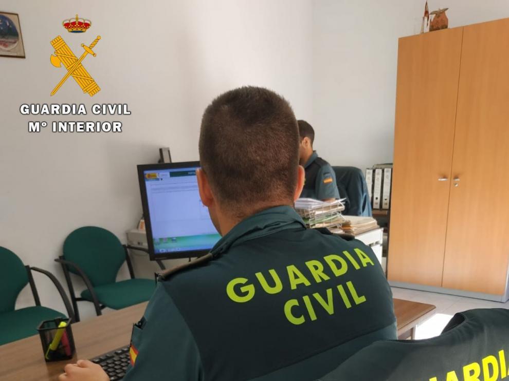 La Guardia Civil le siguió el rastro en la red hasta dar con su identidad.