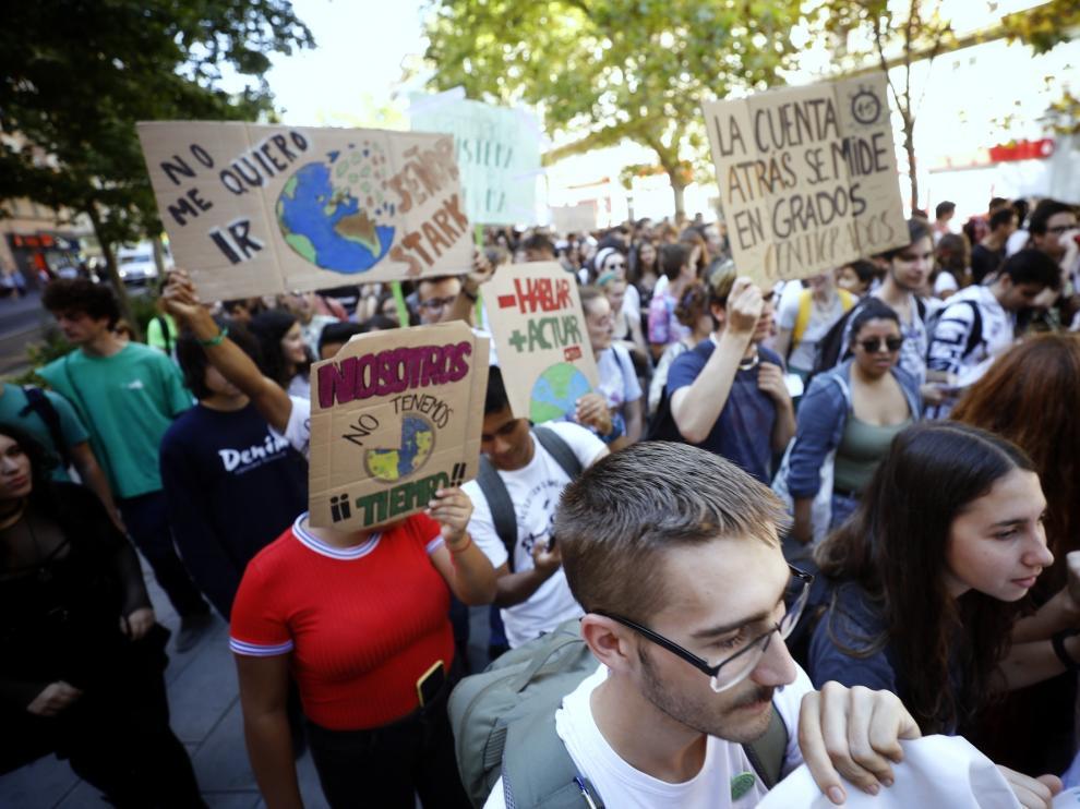 Manifestación por el clima en Zaragoza.