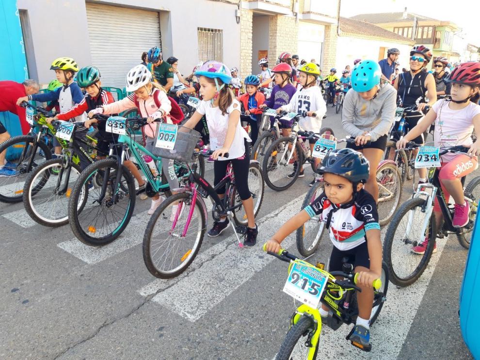 Salida de los niños que han participado en la ruta familiar en la BTT de Aspanoa