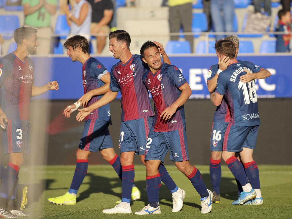 Shinji Okazaki sonríe tras marcar al Girona.