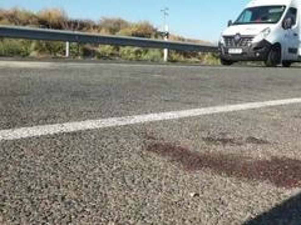 Una persona ha perdido la vida y otras siete han resultado heridas de gravedad como consecuencia de un accidente en la N-232 a su paso por Fuentes de Ebro.