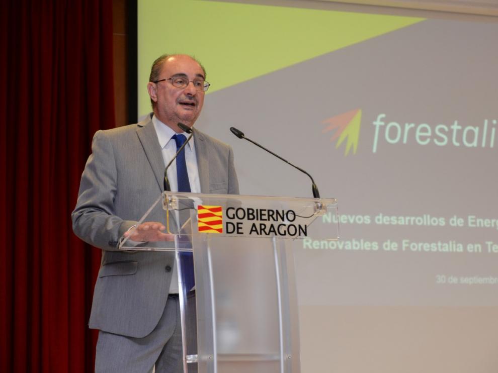 El presidente aragonés, Javier Lambán, al presentar el proyecto de Forestalia para Teruel.