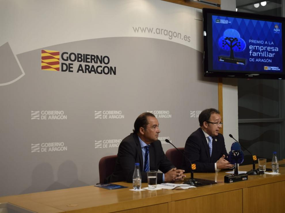 Jesús Arnau (IAF) y Jorge Esteban (Aefa) han presentado el premio este martes.