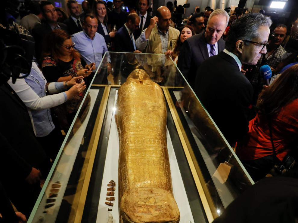 US Charge d'Affaires in Cairo Thomas Goldberger looks at the Gold Coffin of Nedjemankh during a news conference to announce its return from the U.S. and display at the National Museum of Egyptian Civilization (NMEC) in Cairo, Egypt October 1, 2019. REUTERS/Amr Abdallah Dalsh [[[REUTERS VOCENTO]]] EGYPT-ANTIQUITIES/