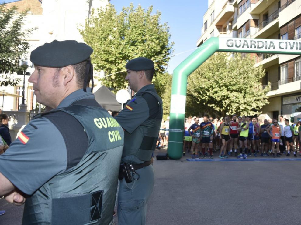 La Guardia Civil ha celebrado este sábado, dentro de su semana institucional, la III Carrera Solidaria a favor de Cadis Huesca.