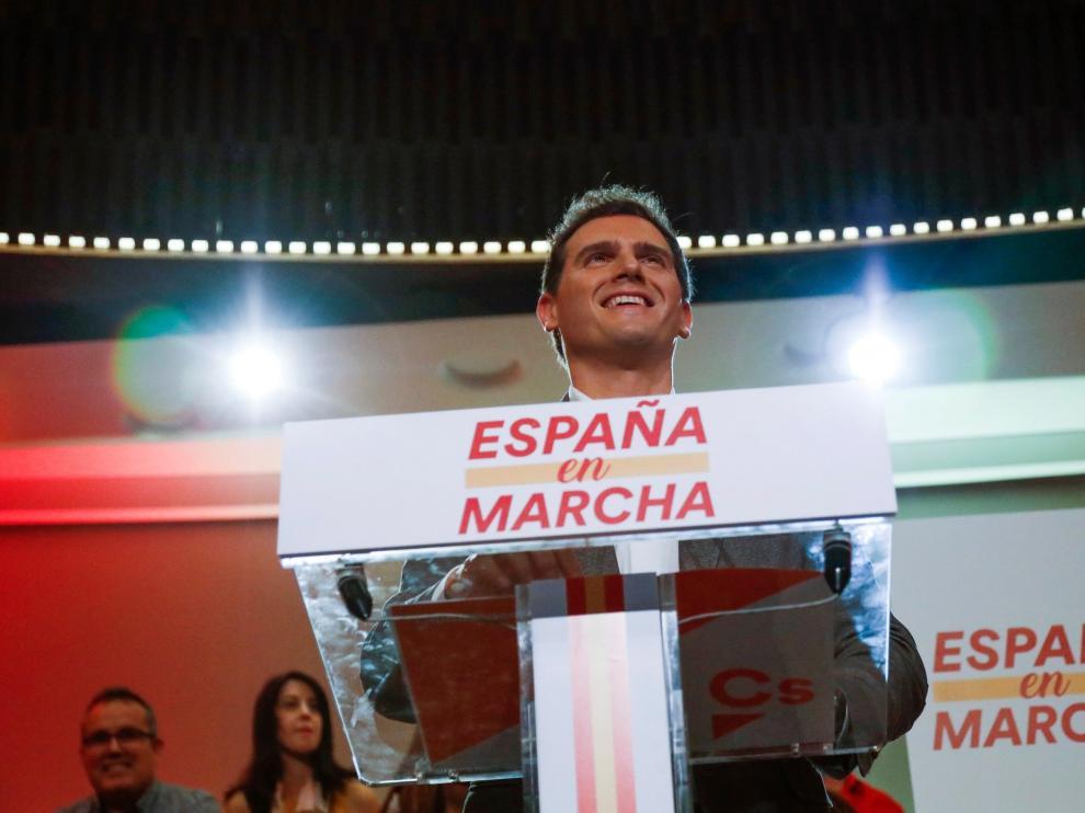 Rivera se abre a pactar también con el PSOE para que haya gobierno