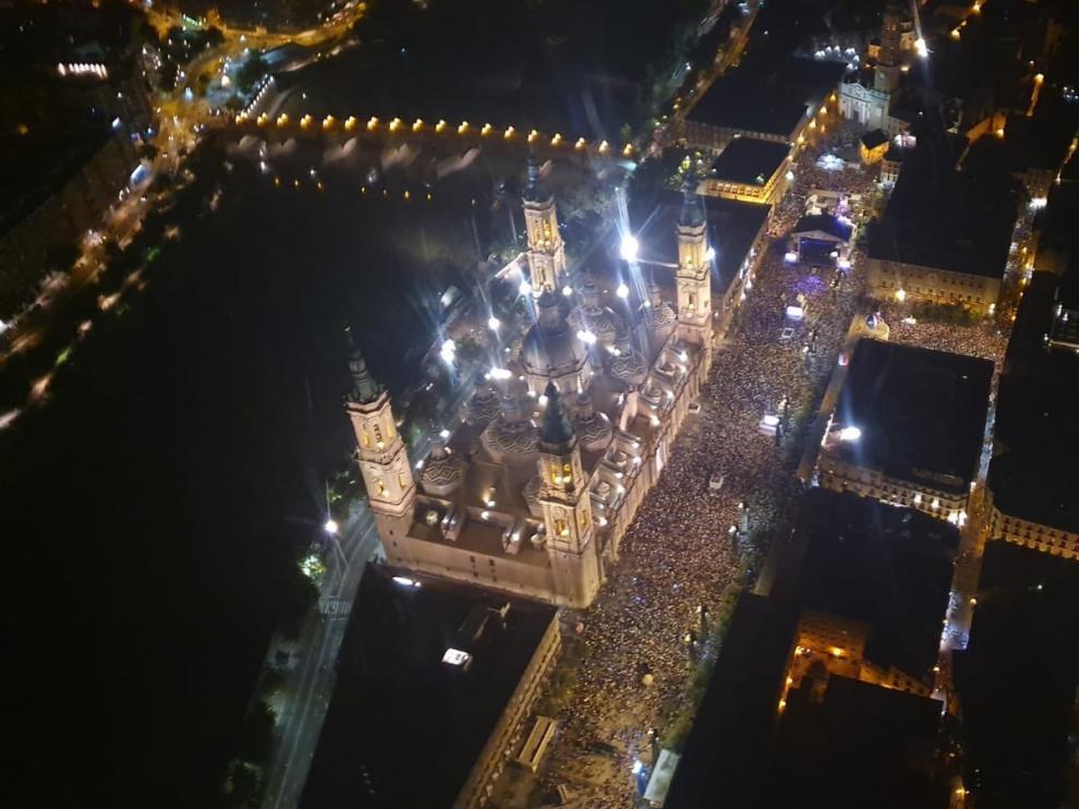 El pregón de las fiestas del Pilar congregó a más de 26.000 personas