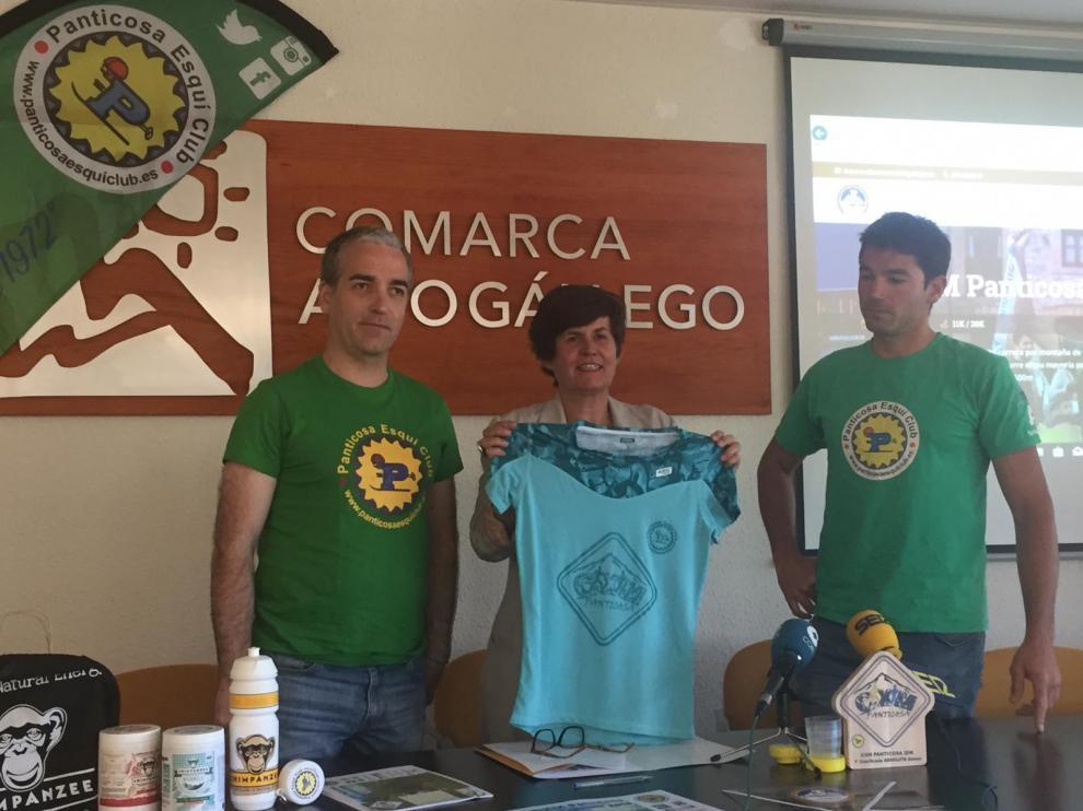 Jaime Vicente, Lourdes Arruebo y Marcos Armesto en la presentación de la IV CXM Panticosa.