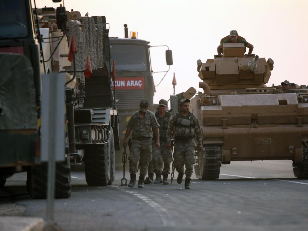 Blindados turcos en la zona fronteriza