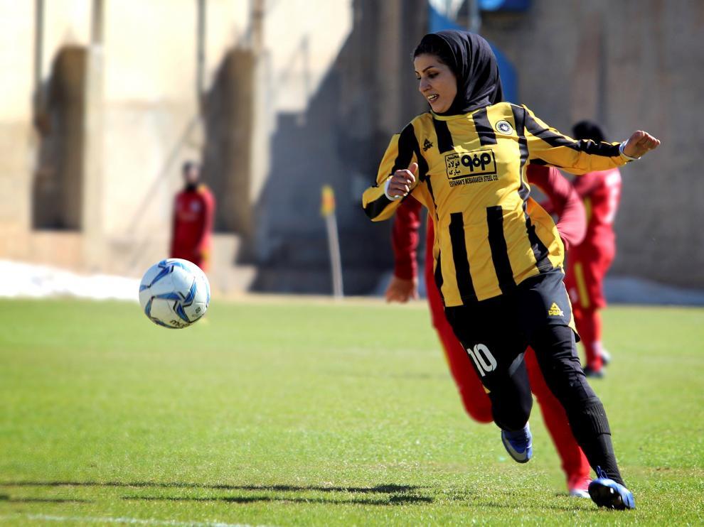 Forugh Murí, jugadora de la selección iraní.