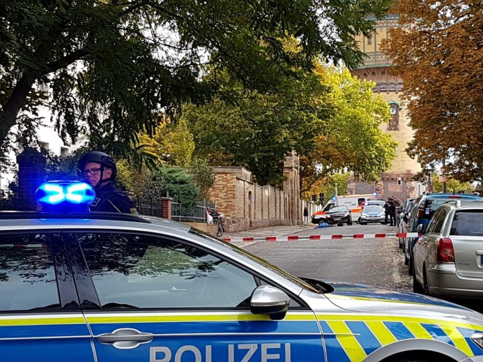 La policía en las inmediaciones del lugar de los asesinatos