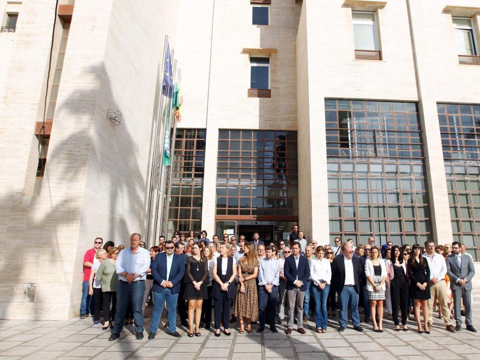 Minuto de silencio este viernes a las puertas del Ayuntamiento de El Ejido