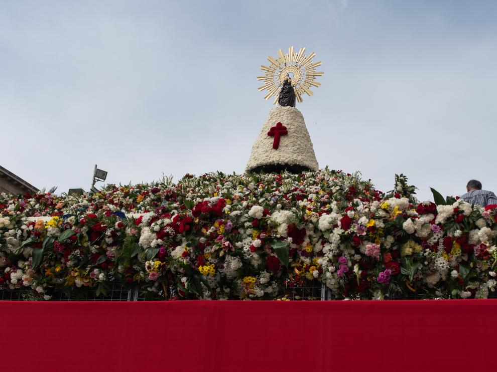 La Ofrenda de Flores vuelve a superar cifras de participación.