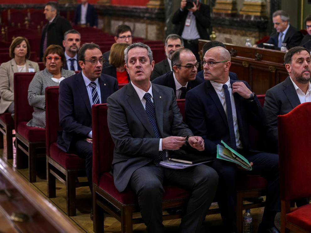 Fotografía de archivo de los líderes independentistas durante la primera jornada del juicio del 'procés'.
