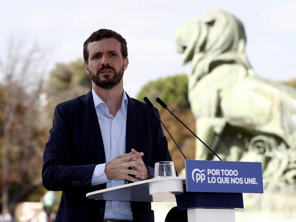 Pablo Casado, este domingo, en el Parque del Retiro de Madrid.