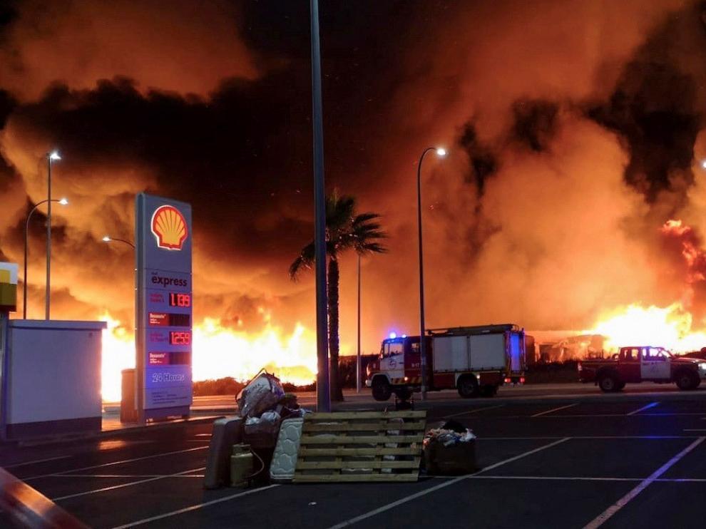 Las llamas se propagaron muy rápido a causa del viento