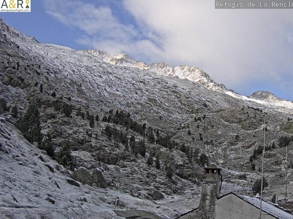 Imágenes de las primeras nieves del otoño en el Pirineo.