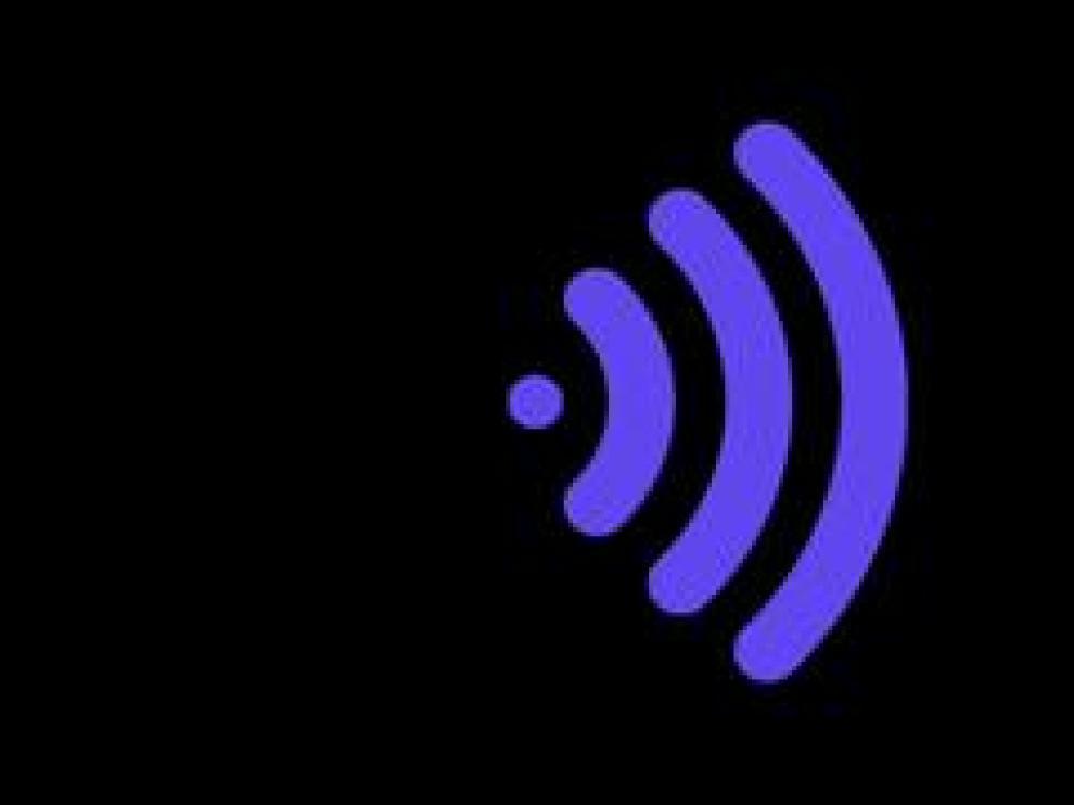 A veces no se recibe bien la señal del wifi. Puede ser por motivos de la conexión o que no realizamos un buen uso del dispositivo. Instalarlo en la zona central de la casa o colocar un lata a modo de parabólica son algunos de los trucos infalibles para mejorar la navegación por internet.