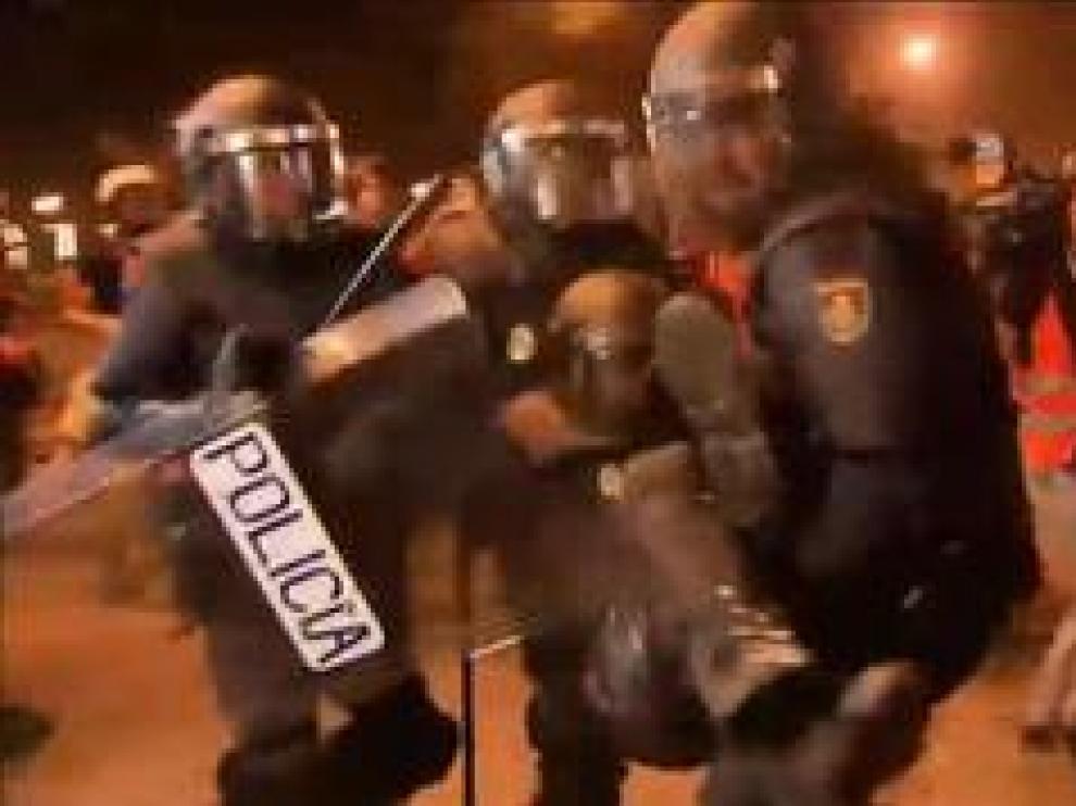 Durante la noche de este viernes, el Sistema de Emergencias Médicas de Cataluña (SEM) atendió a 182 personas, 152 de ellas en Barcelona.