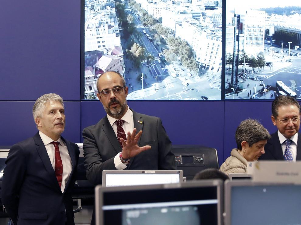 Fernando Grande Marlaska junto a Miquel Buch