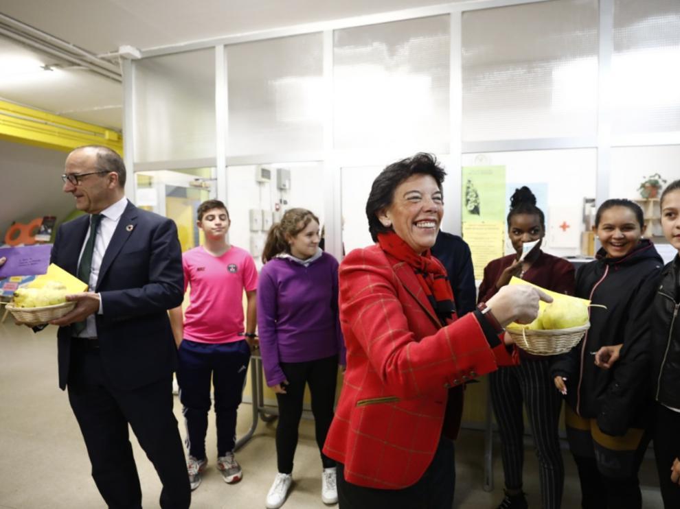 Visita de Isabel Celáa a Zaragoza