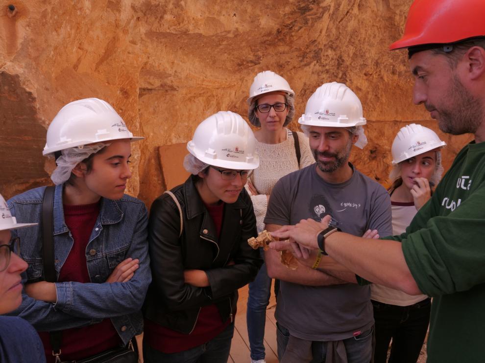 Visita al yacimiento de Atapuerca durante el Congreso de Comunicacion Social de la Ciencia celebrado en Burgos.